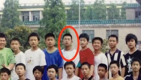 李现学生时期旧照,曾经也是个小胖墩儿,岁月是把整容刀