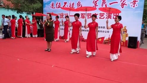 热闹!社区举办庆祝八一建军节消夏晚会