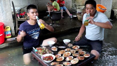 10斤野生河蚌,1斤粉丝这种做法只有湖南人会,一上桌先喝2瓶