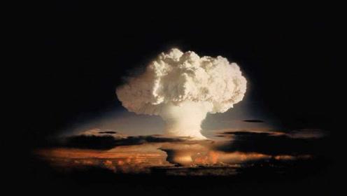 一声巨响!美国本土升起一朵蘑菇云,现场30多人被当场炸死!