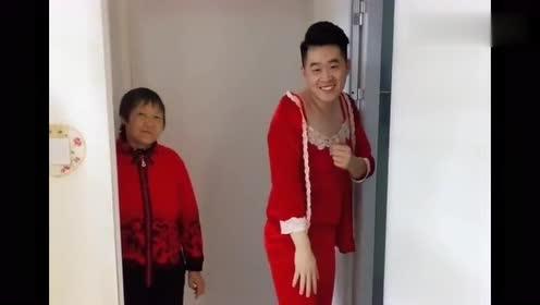 老公穿我的红睡衣调戏我,我刚要反击,没想到婆婆竟出现了!