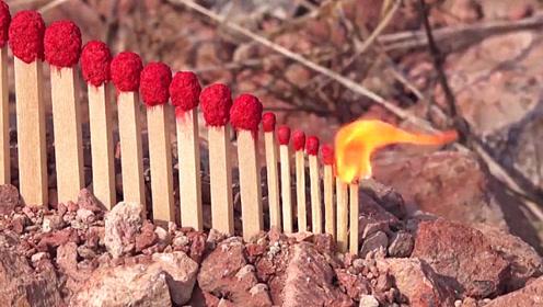 老外制作出几十根巨型火柴,排成多米诺骨牌,点燃后好戏开始了!
