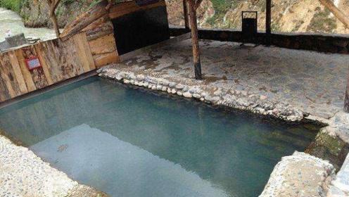 西藏神奇温泉,能治疗108种病症,必须男女轮流泡才能有效!