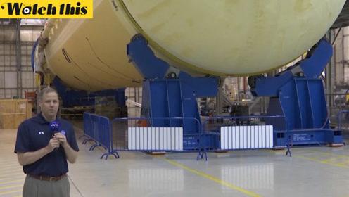 美国家航空航天局展示最新登月火箭 局长:2024年实现登月