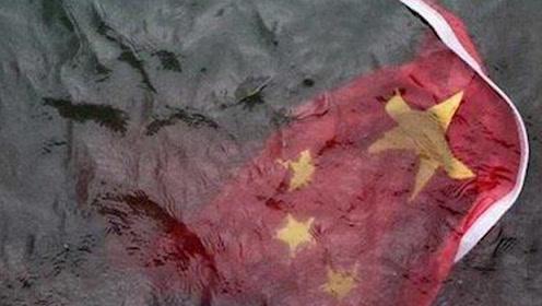 愤怒!香港涉嫌串谋侮辱国旗的5嫌犯被放了