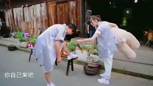 迪丽热巴持刀跟王迅要腿毛?这是什么鬼,太搞笑了吧!