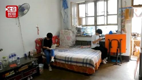 双胞胎姐妹梦圆大学 妹妹:为减轻爸爸负担差点辍学