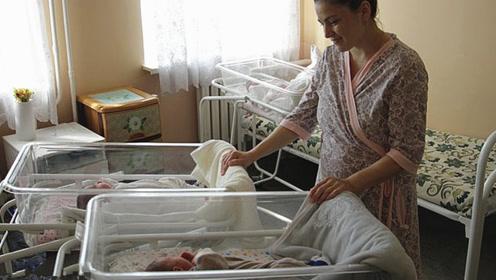 哈萨克斯坦一孕妇不到3个月生2胎 医生都惊呼是奇迹