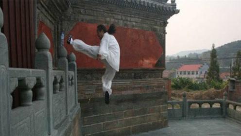 日本剑圣表示少林武功是表演!方丈凌空一脚 ,剑圣吓得腿软