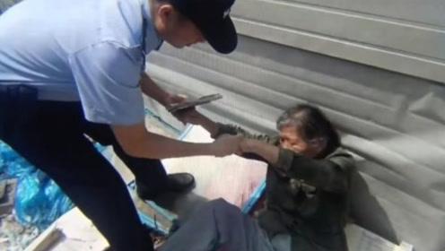 家有5套房 南京一8旬老人顶烈日捡废品中暑