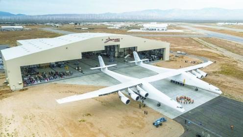 """真正的""""巨无霸""""来了!美国飞机荷载25万公斤,已试飞成功"""