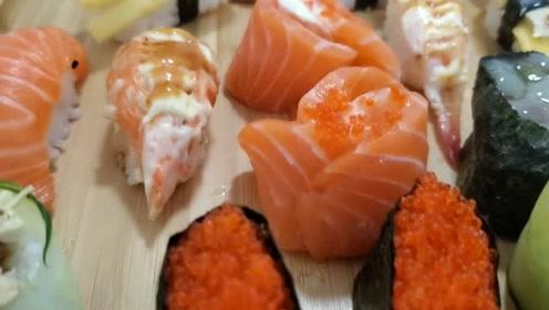 """外卖99元豪华""""寿司大餐"""",评分最高的店铺,味道如何"""