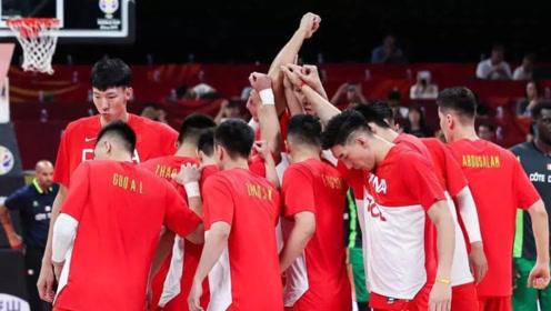 中国男篮再次传来噩耗,名记爆料内情,引无数网友愤怒!