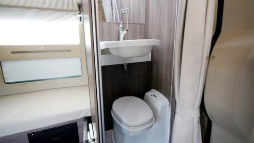"""有""""卫生间""""的国产卡车!洗澡上厕所车内搞定,上下铺变双人床!"""