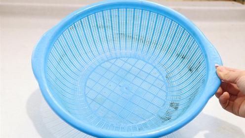 再脏的菜篮子,这个水泡一泡,轻轻一擦就干净,后悔才知道