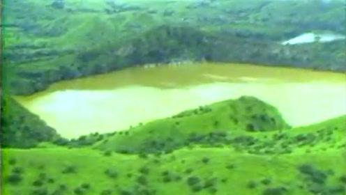 """非洲""""杀人湖"""",1800人一夜之间死亡,专家在湖里找到凶手!"""