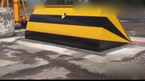 实测半挂车撞击拦阻钢板,车头断裂直接抛向空中