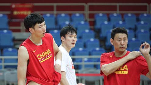 李楠申请辞去国家队主教练职务,网友:球员实力不行,谁来也没用