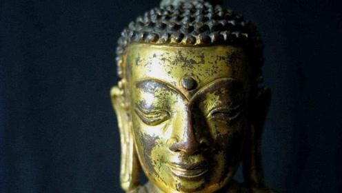 匠人修复800年千手观音佛像,发现暗格,里面居然有这些东西