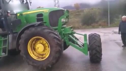 老外给拖拉机头部装轮胎,原来有这妙用,厉害了!