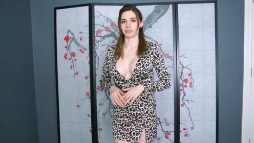 夏末穿连衣裙,可以把自己搭配得很美,穿出知性优雅