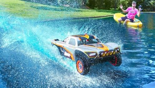 世界最大玩具车性能有多牛?冲入水池那一刻,震撼才刚刚开始!