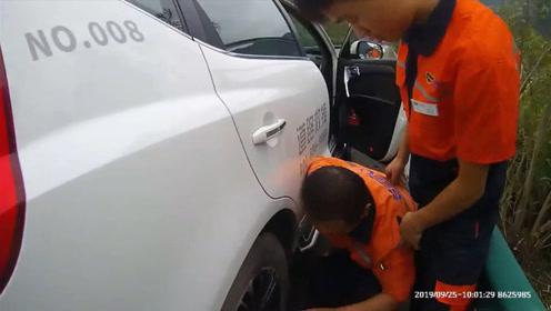 湖北一道路救援人员高速路上突发疾病 交警紧急救助将其送医