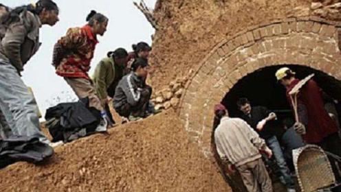 考古学家发现宋朝古墓,刚准备挖掘却遭后人阻止,这是怎么回事?