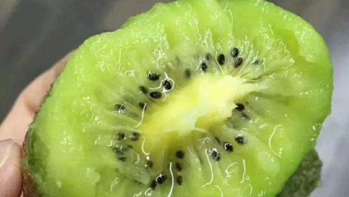 秋天给孩子吃这2种水果胜过补品,缓解秋燥