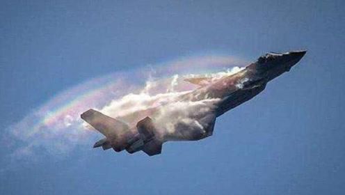 歼20气动布局极其大胆,其设计水平领先世界,16个气动翼面难度太高!