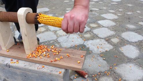 农村大叔发明剥玉米神器,这脑洞真够大的,你觉得咋样?