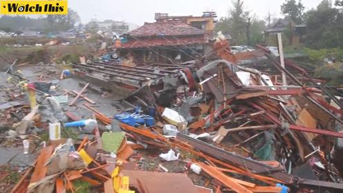 台风预热:日本千叶县发生巨大龙卷风 造成数间屋顶被毁5伤1死