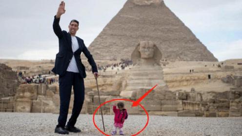 世界上最矮的女人,3岁停止生长,身高仅69厘米,却成了当红明星