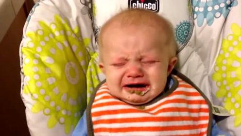 小宝宝第一次吃青豆泥,好难吃又不敢说,只能委屈的边吃边流泪