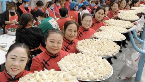 上千斤饺子同时下锅,全村共赴饺子宴