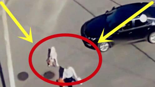 妈妈带娃过马路下秒摔倒,女司机直接冲了过来,痛心全程被拍下!