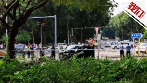 监拍深圳一SUV撞上安全岛3名行人致2死1伤 司机被控制