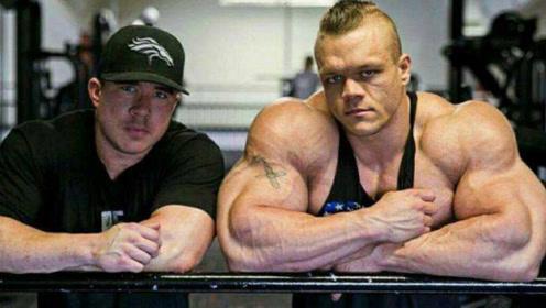 小伙19岁健身21岁拿卡,练就240斤肌肉野兽,却因吃饭轰然倒下