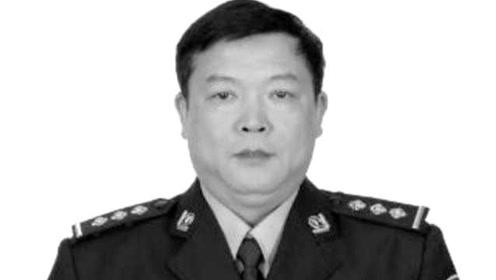 汕头56岁民警劳累过度因公殉职,同事泪目:他很乐于助人