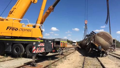 火车意外脱轨后,如何重新回到轨道上?这两个办法分分钟搞定