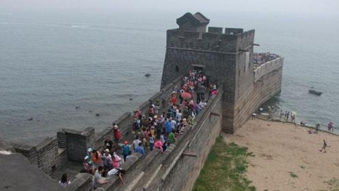 我国万里长城的尽头竟然是在海里?老外看后直呼:中国人太聪明了!
