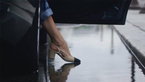 香奈儿的鞋子有多娇气?看模特下一秒的举动,真是贫穷限制我想象!
