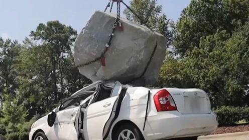 土豪趁朋友外出,把朋友的车砸成稀巴烂,朋友的态度令人瞪眼