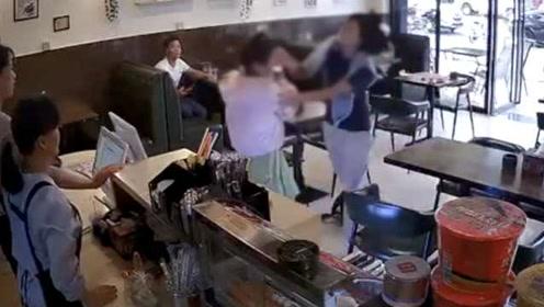 奶茶店暴打女孩者被拘15日:因不小心擦碰引纠纷,并非插队