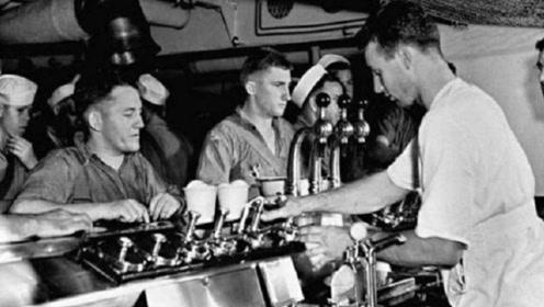 美国人对冰淇淋有多执着?二战航母要沉,士兵撤离还不忘吃完哈根达斯