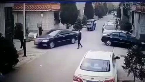 大同男子驾车冲撞受害人逃离现场 警方:系债务纠纷引起