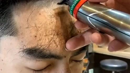 """小哥哥从来没有剪过短发,换个""""造型""""立马变的这么精神,太帅了!"""