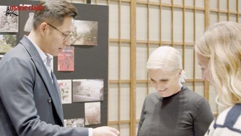 嘉人独家对话DIOR女装创意总监,谈春夏花园系列灵感来自中国!