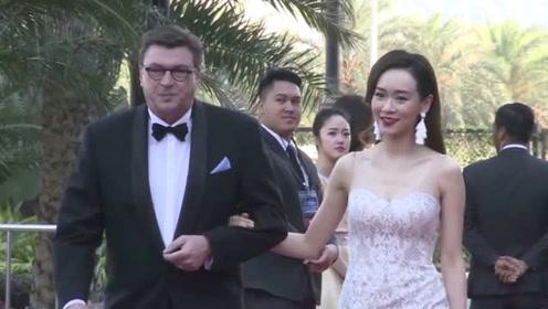 41岁杨思琦怀二胎后首度露脸仍保密丈夫身份,获夫家千万奖励