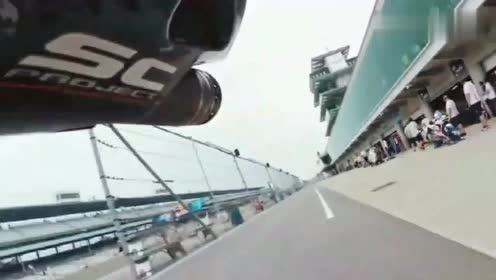 极限运动:跟拍急速摩托赛场,这声音听着就觉得耳朵疼!